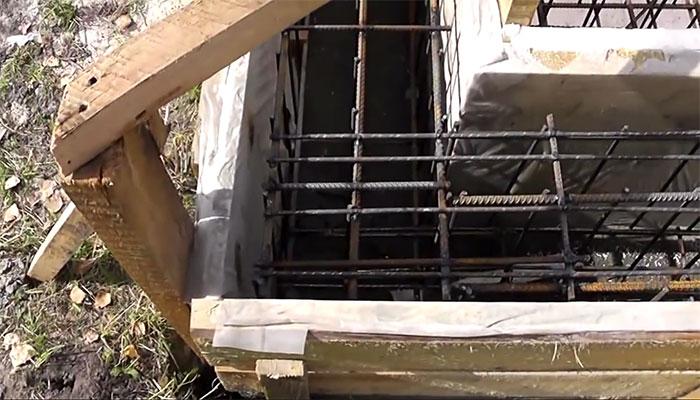 Укладка арматуры в бетон