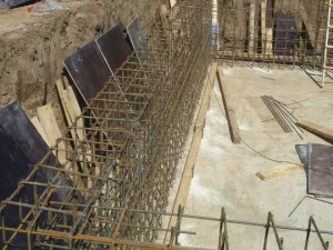 Армирование монолитных стен