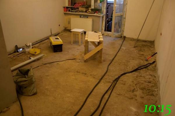 Подготовленная комната для конструирования сухой стяжки пола