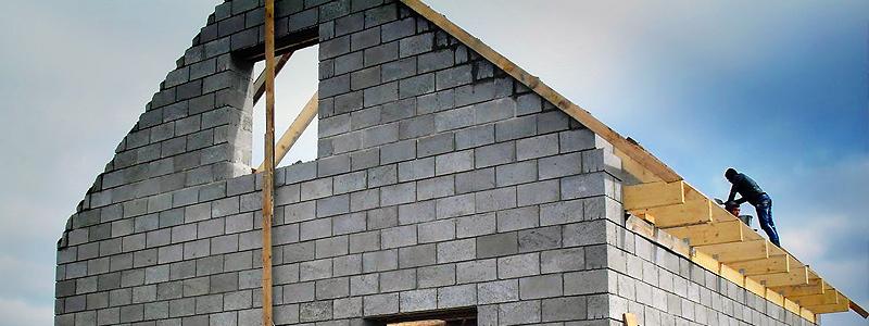 Кладка наружных стен из керамзитобетонных блоков