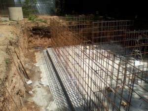 Монолитные стены из бетона