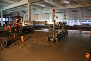 Лазерные бетоноукладчики в работе