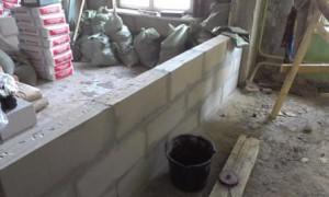 Монтаж перегородки из пенобетонных блоков